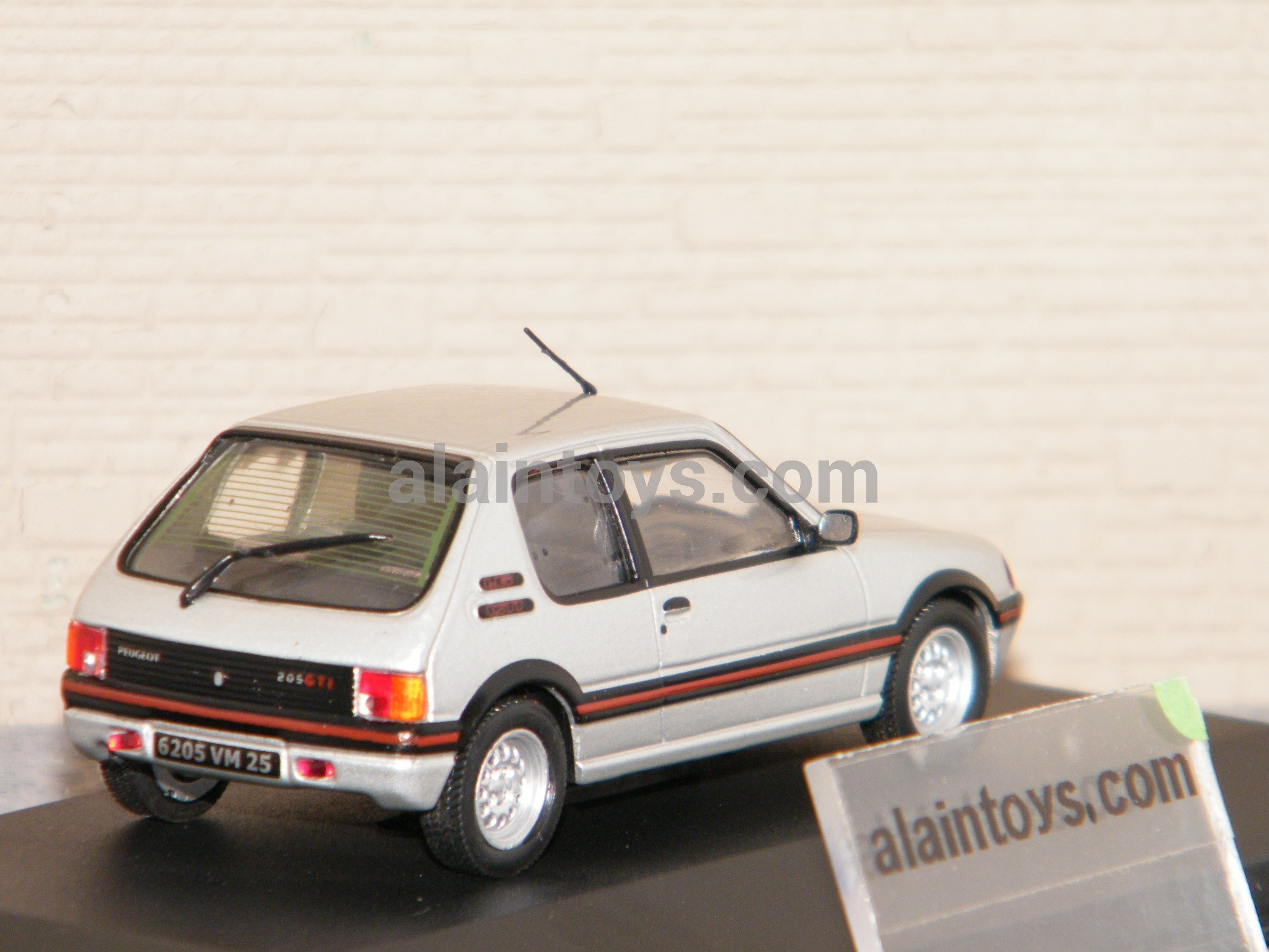 peugeot 205 gti 1986 argent solido 1 43 ref s4303600 la boutique d 39 alain. Black Bedroom Furniture Sets. Home Design Ideas