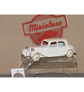 Citroën Traction crème dinky car designed by Minialuxe France 1/43 Ref MN01_03SE