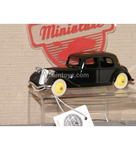 Citroën Traction noire dinky car designed by Minialuxe France 1/43 Ref MN01_04SE