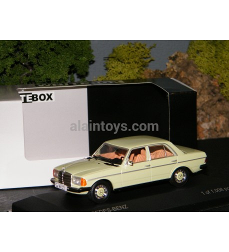 MERCEDEZ BENZ 200 D 1976 1/43 WHITE BOX